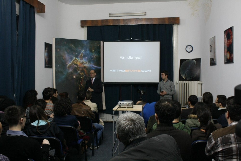 Catalin Paduraru (dreapta) si Marian Naiman (stanga) după susținerea prezentării